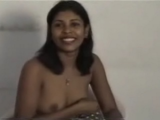 Gallery3. Mature Indian girl showing her tits